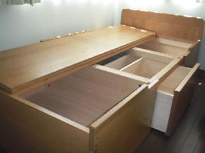 収納ベッド内部